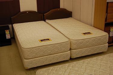 ゴールデンバリュー シングルベッド